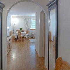 Отель Chesa Sur Ova 30 - Two Bedroom Швейцария, Санкт-Мориц - отзывы, цены и фото номеров - забронировать отель Chesa Sur Ova 30 - Two Bedroom онлайн комната для гостей фото 3