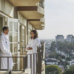 Отель Four Seasons Los Angeles at Beverly Hills балкон