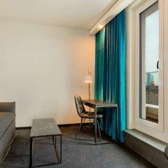 Отель Motel One Frankfurt-Römer балкон