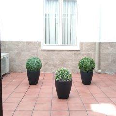 Отель Hostal El Pilar Испания, Мадрид - 1 отзыв об отеле, цены и фото номеров - забронировать отель Hostal El Pilar онлайн балкон