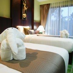Отель Duangjitt Resort, Phuket 5* Стандартный номер с различными типами кроватей фото 4