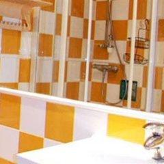 Отель Hostal Arco Iris Испания, Мадрид - отзывы, цены и фото номеров - забронировать отель Hostal Arco Iris онлайн ванная