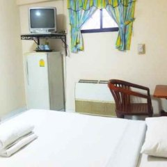 Отель Little Home Guesthouse Паттайя удобства в номере
