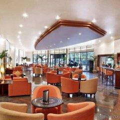 Отель Hilton Hanoi Opera гостиничный бар