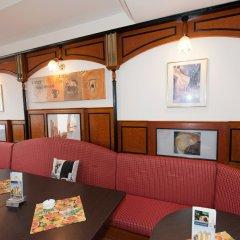 Отель Pension Konigs Cafe Австрия, Вена - отзывы, цены и фото номеров - забронировать отель Pension Konigs Cafe онлайн интерьер отеля
