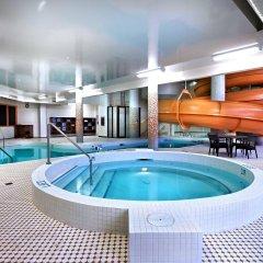 Отель Delta Hotels by Marriott Saskatoon Downtown бассейн