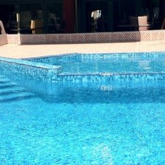 TM Deluxe Hotel бассейн фото 2