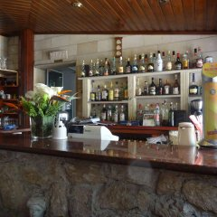 Kiniras Traditional Hotel & Restaurant гостиничный бар