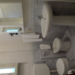 Hotel La Riva Джардини Наксос ванная