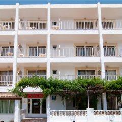 Отель Hostal Montesol бассейн