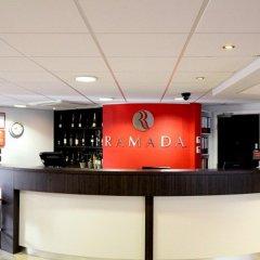Отель Ramada London Stansted Airport гостиничный бар