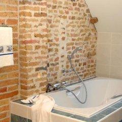 Отель Holiday Home De Colve ванная фото 2