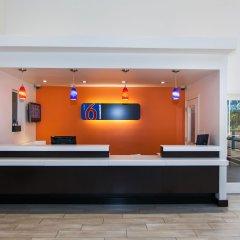Отель Motel 6 Hollywood США, Лос-Анджелес - отзывы, цены и фото номеров - забронировать отель Motel 6 Hollywood онлайн интерьер отеля
