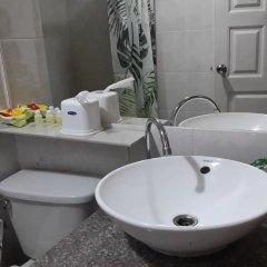 Отель Regent Home1 At Donmuang Бангкок ванная