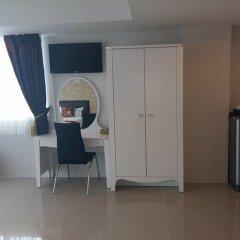 Отель Retreat By The Tree Pattaya удобства в номере