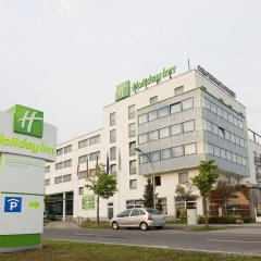 Отель Holiday Inn Berlin Airport - Conference Centre городской автобус