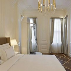 Отель The House Galatasaray Стамбул сейф в номере