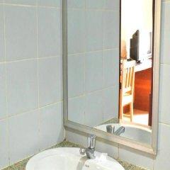 Отель P.Chaweng Guest House Самуи ванная