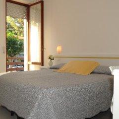 Отель Albergo Ester di Fossi Laura Римини комната для гостей фото 5