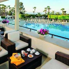 Elias Beach Hotel бассейн