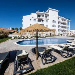 Отель Aguahotels Alvor Jardim Портимао бассейн