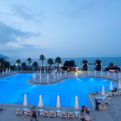 Отель Crystal Flora Beach Resort – All Inclusive бассейн