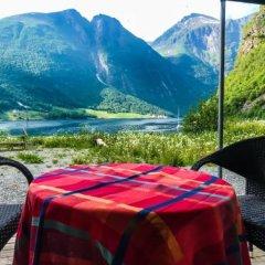 Hjørundfjord Hostel питание