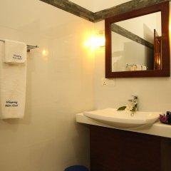Отель Whispering Palms Hotel Шри-Ланка, Бентота - отзывы, цены и фото номеров - забронировать отель Whispering Palms Hotel онлайн ванная
