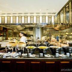 Отель Crowne Plaza Bangkok Lumpini Park питание