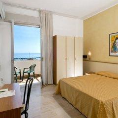 Отель Arabesco Римини комната для гостей фото 3