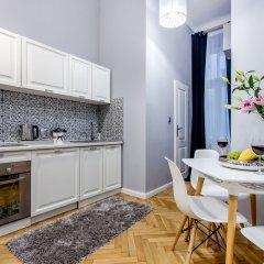 Отель ClickTheFlat Avenue Place Варшава в номере