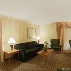 Отель Holiday Inn Ottawa East Канада, Оттава - отзывы, цены и фото номеров - забронировать отель Holiday Inn Ottawa East онлайн комната для гостей фото 2