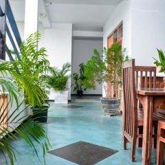 Отель Baywatch Шри-Ланка, Унаватуна - отзывы, цены и фото номеров - забронировать отель Baywatch онлайн бассейн фото 3