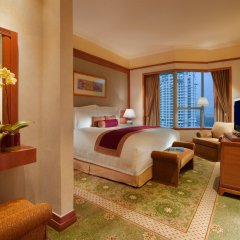 Отель Pullman Kuala Lumpur City Centre Hotel & Residences Малайзия, Куала-Лумпур - отзывы, цены и фото номеров - забронировать отель Pullman Kuala Lumpur City Centre Hotel & Residences онлайн комната для гостей
