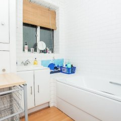 Отель Spacious 2 Bedroom Flat in North West London ванная фото 2