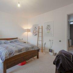 Отель Modern 1 Bedroom Apartment in Central Location Великобритания, Лондон - отзывы, цены и фото номеров - забронировать отель Modern 1 Bedroom Apartment in Central Location онлайн комната для гостей фото 3