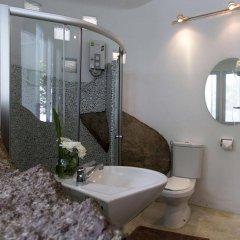 Отель Monkey Flower Villas ванная