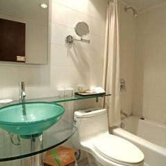 Отель Bell Tower Hotel Xian Китай, Сиань - отзывы, цены и фото номеров - забронировать отель Bell Tower Hotel Xian онлайн ванная