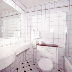 Отель Clarion Collection Hotel Savoy Норвегия, Осло - отзывы, цены и фото номеров - забронировать отель Clarion Collection Hotel Savoy онлайн ванная
