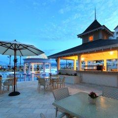 Отель Luxury Bahia Principe Runaway Bay All Inclusive, Adults Only питание