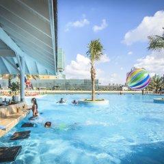 Отель Beach Rotana Residences бассейн