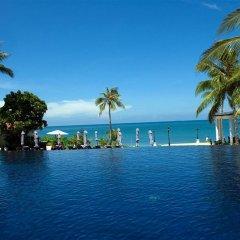 Отель Rawi Warin Resort and Spa бассейн фото 2