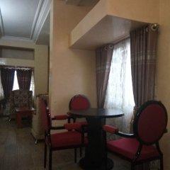 Отель Top Rank Hotel Galaxy Enugu Нигерия, Энугу - отзывы, цены и фото номеров - забронировать отель Top Rank Hotel Galaxy Enugu онлайн комната для гостей фото 5
