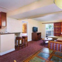 Отель Desert Rose Resort США, Лас-Вегас - 9 отзывов об отеле, цены и фото номеров - забронировать отель Desert Rose Resort онлайн комната для гостей фото 2
