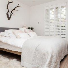 Отель Stylish 2 Bedroom Garden Apartment in Notting Hill Великобритания, Лондон - отзывы, цены и фото номеров - забронировать отель Stylish 2 Bedroom Garden Apartment in Notting Hill онлайн комната для гостей фото 5