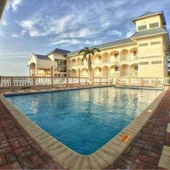 Glistening Waters Hotel бассейн фото 2