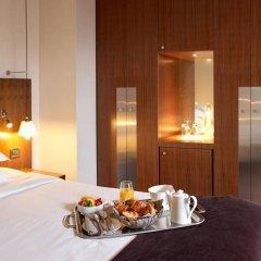 Radisson Blu Hotel Champs Elysées, Paris в номере фото 2