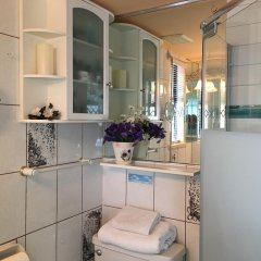 Отель Diana's Luxury Bed and Breakfast Канада, Ванкувер - отзывы, цены и фото номеров - забронировать отель Diana's Luxury Bed and Breakfast онлайн ванная фото 2