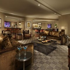 Отель Mandalay Bay Resort And Casino фото 6