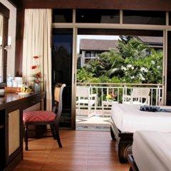 Отель Thara Patong Beach Resort & Spa Таиланд, Пхукет - 7 отзывов об отеле, цены и фото номеров - забронировать отель Thara Patong Beach Resort & Spa онлайн спа